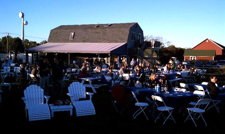 Wineries with live music long island