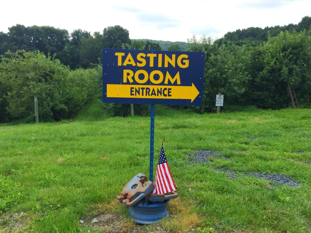 Glorie Farm Winery Tasting Room Sign