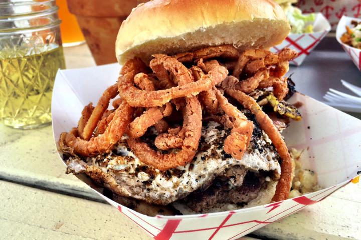 flx-wienery-burger